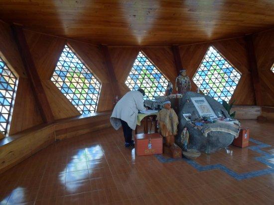 Santuario de Ceferino en San Ignacio: interior2