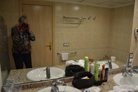 De Flamingo Badkamer : Lavobos grote badkamer picture of hotel flamingo oasis