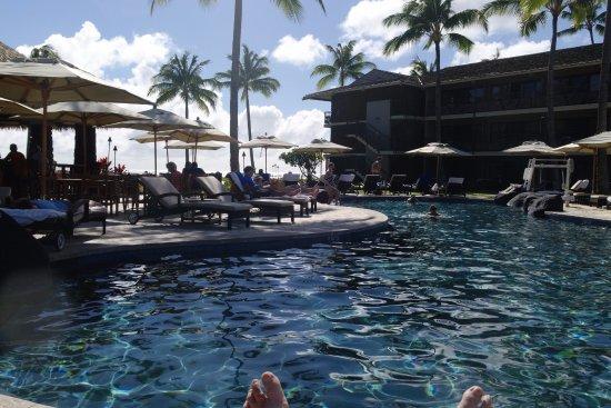 Koa Kea Hotel & Resort: Pool, with bar area to the left