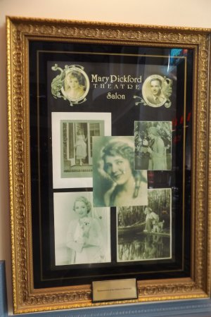 Cathedral City, CA: In memory of Mary Pickford
