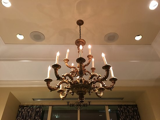 The Westin Riverwalk, San Antonio: chandelier in lobby