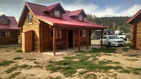 Panguitch, UT: A real log cabin