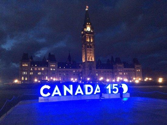 Ottawa, Canadá: De Noche