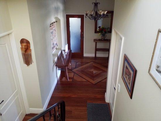 Sorrento, Australia: stairs to entrance
