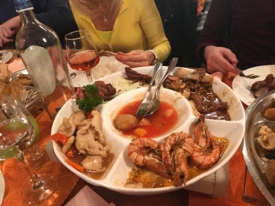 La Louvière, Belgien: Voici les potage ,plats ,dessert...