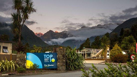 Fox Glacier TOP 10 Holiday Park: Welcome to Fox Glacier TOP 10