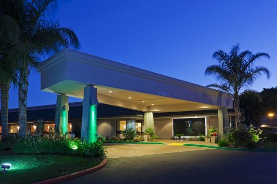 Holiday Inn Hotel Dublin-Pleasanton Front Entrance