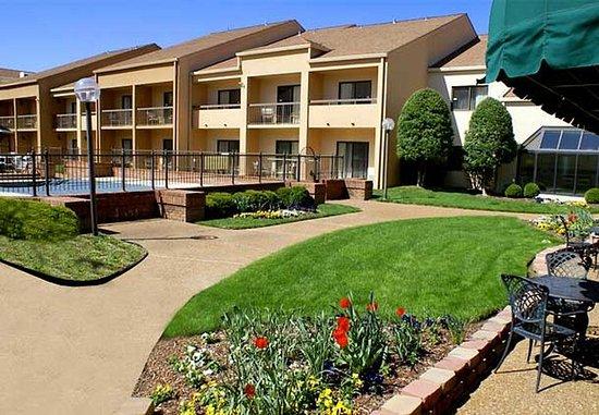Brentwood, Теннесси: Courtyard