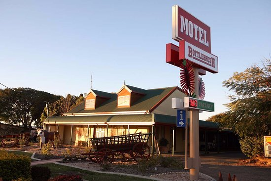 Bottlebrush Motel