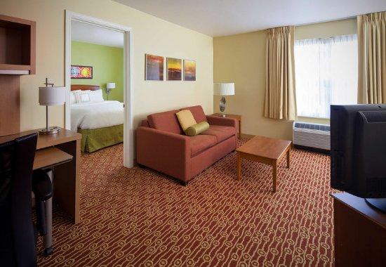 Norcross, GA: One-Bedroom Suite