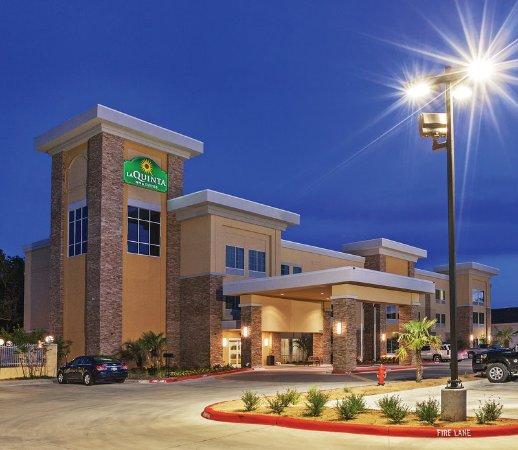 Beeville, TX: ExteriorView