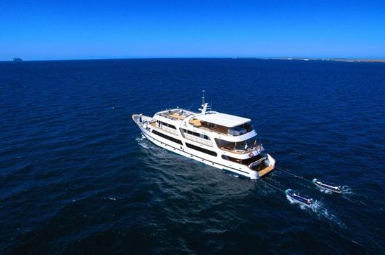 Galapagos Islands 6-Day Luxury Cruise...