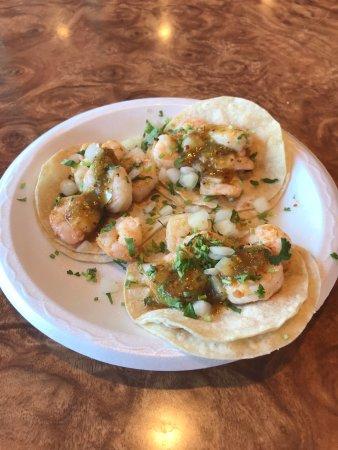 Lompoc, CA: Shrimp tacos