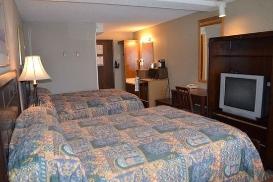 Nampa, ID: Guest Room Queen Beds