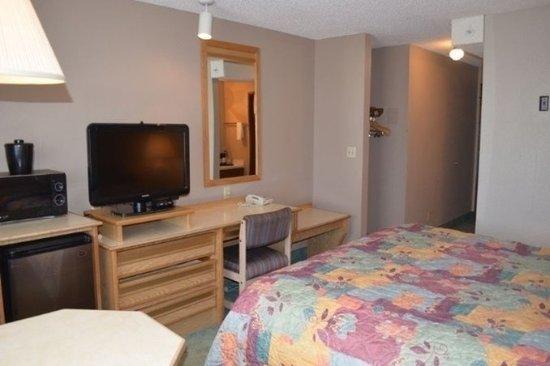 Nampa, Idaho: King Living Area