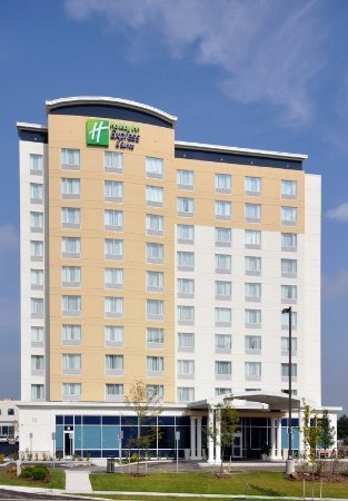 Richmond Hill, Kanada: Enjoy the view from our contemporary high rise Holiday Inn Express