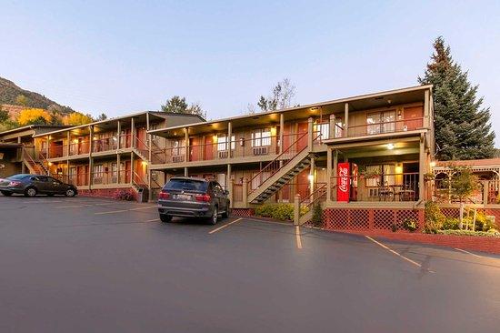 Rodeway Inn Glenwood Springs: Hotel exterior