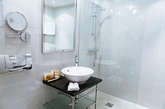 K+K Palais Hotel: Shower