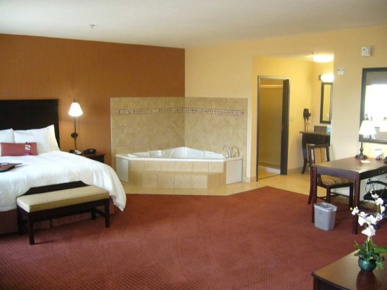 Buda, TX: King Whirlpool Suite