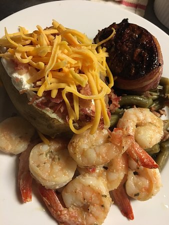 Chillicothe, Μιζούρι: Delicious Choices... and menu is NEW EVERY QUARTER!