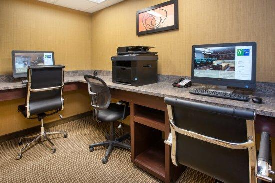 Nicholasville, KY: Business Center