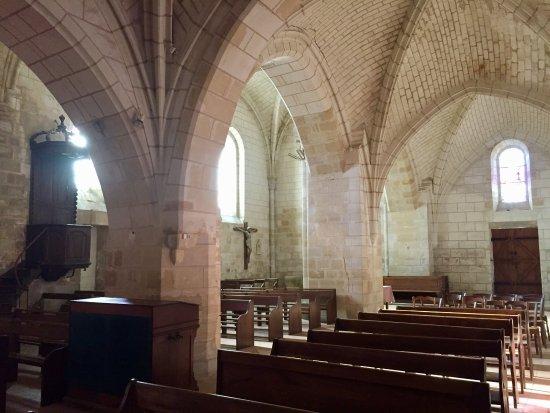 Sache, Fransa: À 100m du château, l'église de Saché, que Balzac fréquentait