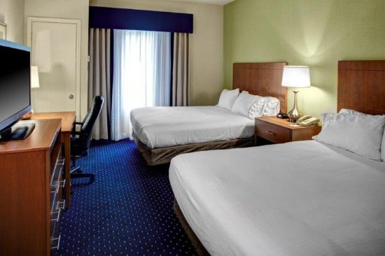 Ashland, VA: Our Two Queen Rooms is ideal for traveling with friends or family