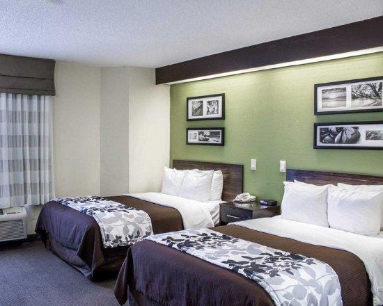 Garner, Carolina del Norte: Guest room with double beds