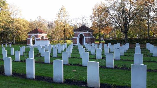 Canadese Oorlogsbegraafplaats Bergen op Zoom