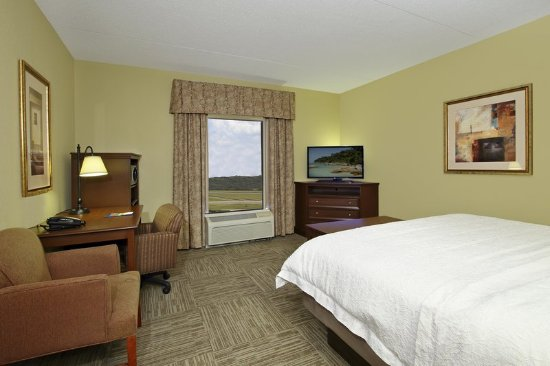 Murray, KY: King Room Window