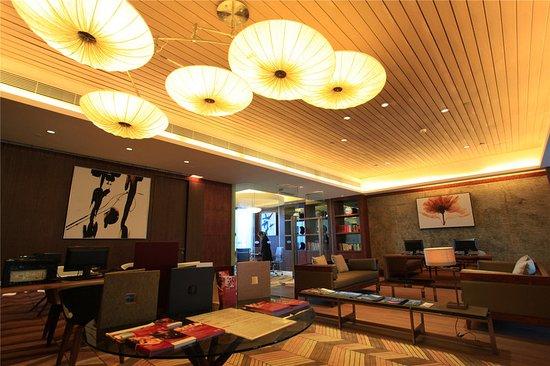 Yangjiang, Chiny: Business Center