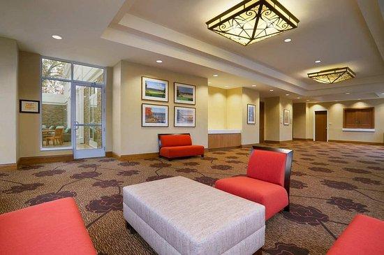 Auburn, NY: Reception area