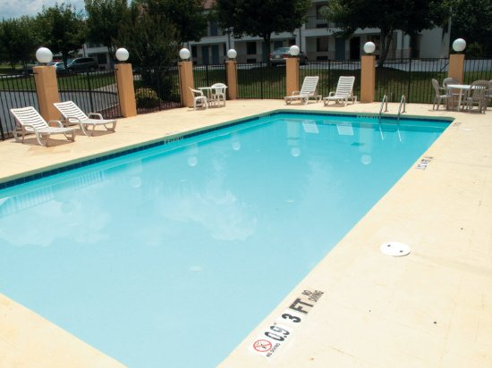 Acworth, GA: PoolView