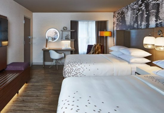 Pittsford, NY: Accessible Queen/Queen Guest Room
