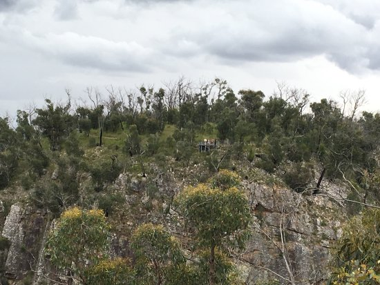 Hamilton, Australia: McKenzies Falls