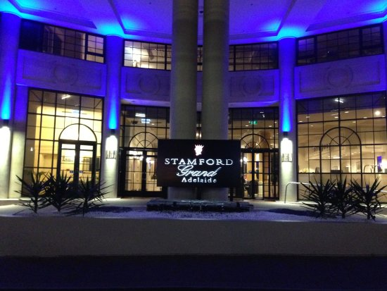Glenelg Hotel Restaurants