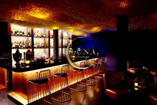 Luna Lounge