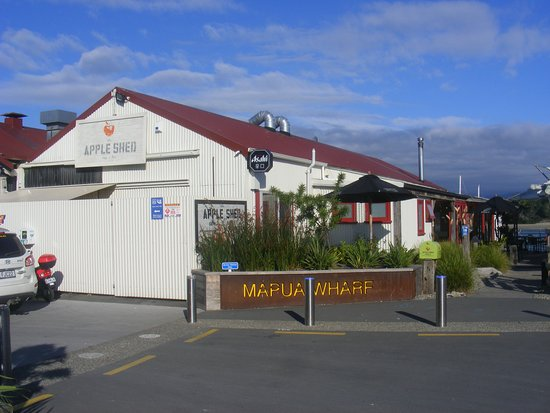 Mapua, New Zealand: Apple Shed exterior
