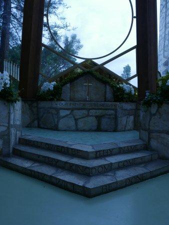Glass Church / Wayfarers Chapel: Inside the chapel.