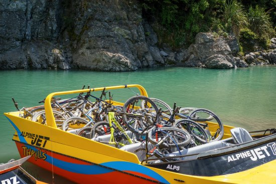 Springfield, New Zealand: transporting the bikes
