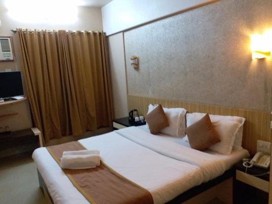 Abhishek Beach Resort And Spa Ganpatipule Maharashtra