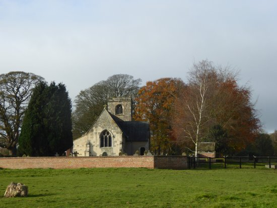 Little Weighton, UK: Rowley Church almost adjoins the Hotel
