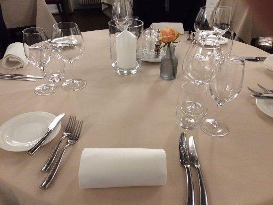 St-Saphorin-Lavaux, Suisse : Dressed table