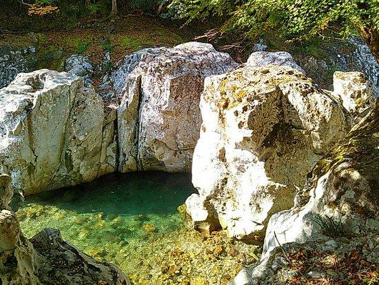 Sarutobisentsubo Gorge