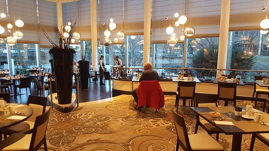 Speisesaal - Picture of Hilton Munich Park, Munich - TripAdvisor