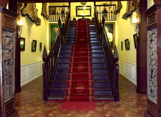 Kasmanda Palace