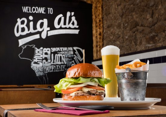 Big Al's American Kitchen: Small Deluxe Cheeseburger (and a half-pint of Big Sissy Lager)