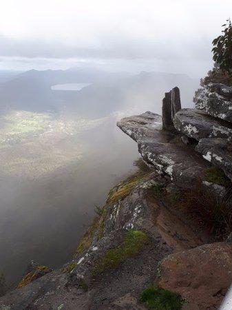Halls Gap, Australien: View through the clouds