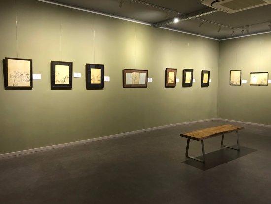Pitesti, Rumania: Levant Collections - Sorin Ilfoveanu
