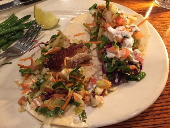 Chanhassen, MN: Fish tacos with small piece of fish surrounded by filler